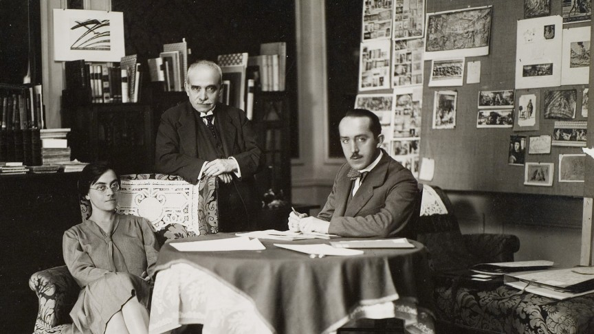 aby_warburg_with_gertrud_bing_and_franz_alber_imgsize_buehne